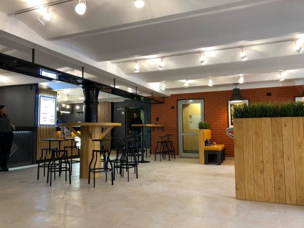 Фудкорт с 3 ресторанами напротив метро Таганская