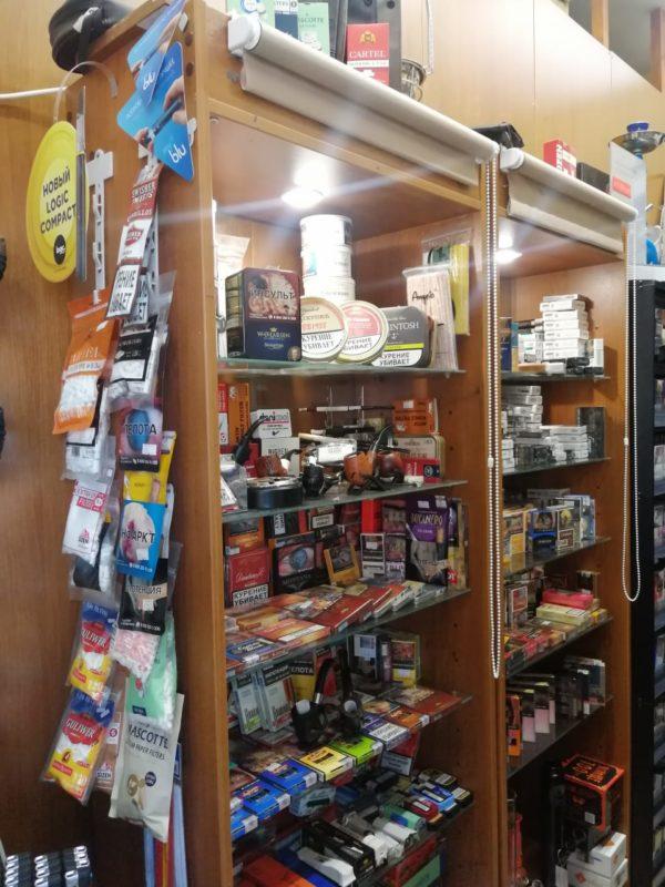 Сеть табачных магазинов у метро